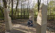 Joehayton-stonecarver-paul harris
